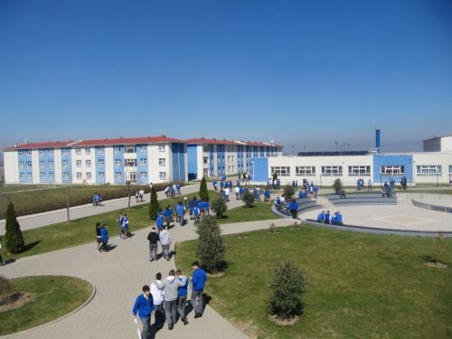 Loyola – Gymnasium in Prizren