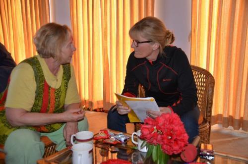 Tagesbesprechung mit Sonja Sherpa