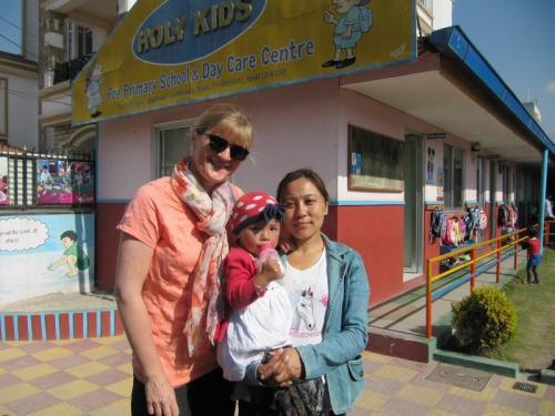 Ritu Thapa Magar<br />Kindergarten mit Dirketorin
