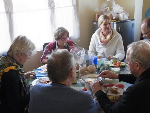Frühstück im Haus von Kreshna