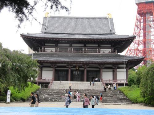 Im Tempel Zojoji