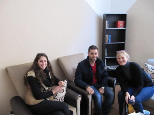 Redakteure Zeitung Sabro Ninve Özgun, Ishok Demir